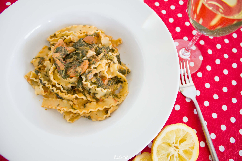 Pasta mit Spinat und Tomaten
