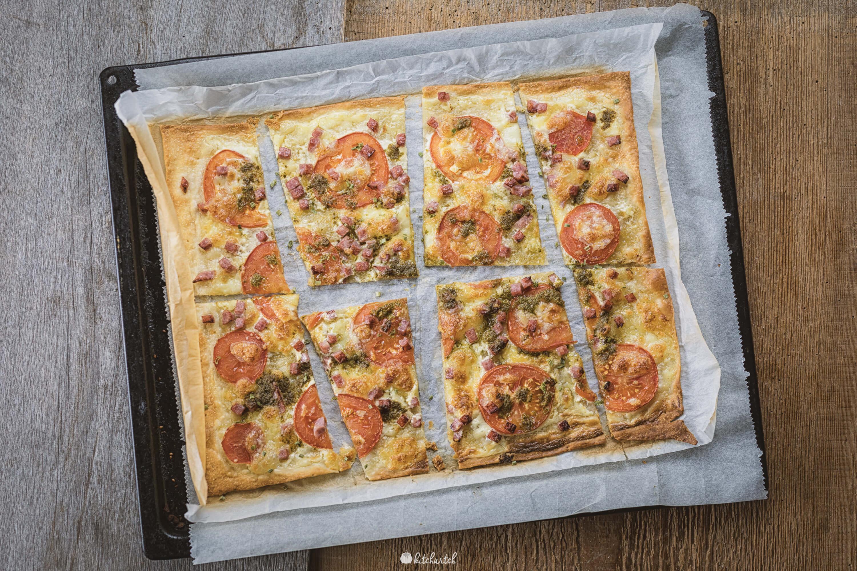 Flammkuchen mit Pesto-3