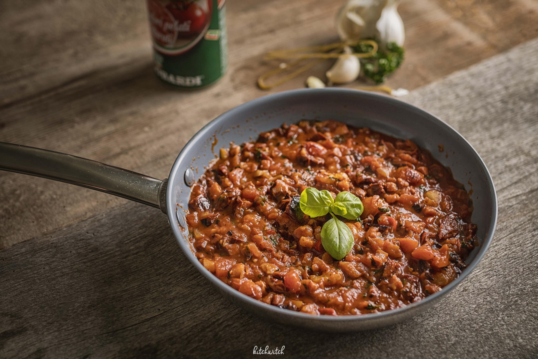 Pikante Tomatensauce mit Basilikumpasta-3
