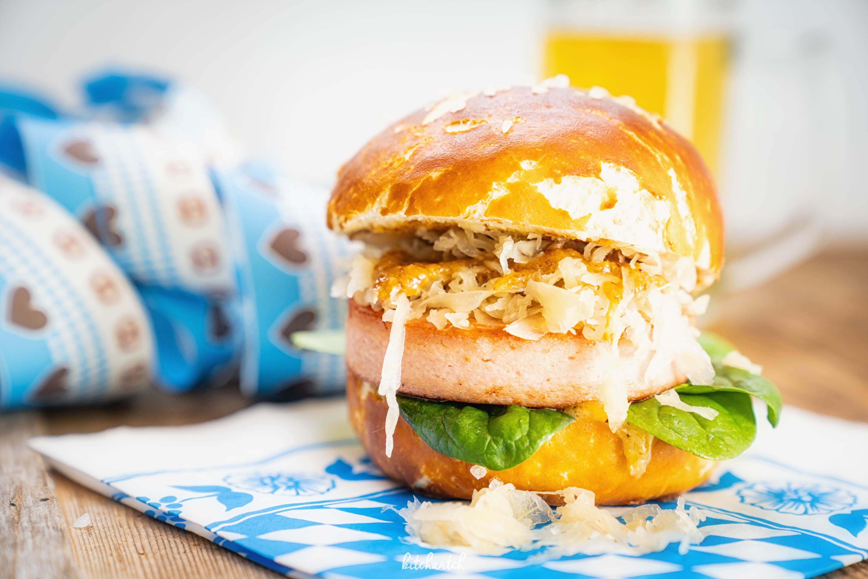 Oktoberfest Burger mit Leberkäse-2